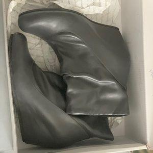 Woman's Aldo Kunz Boots Size 39 (US 9)